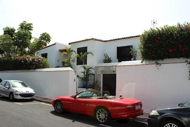 3 Zimmer Villa zu verkaufen in Puerto de la Cruz mit Pool Garage - 950.000 € (Ref: 3569368)