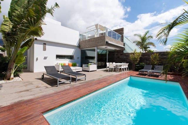 4 soverom Villa til salgs i Costa Adeje med svømmebasseng garasje - € 1 800 000 (Ref: 4121877)