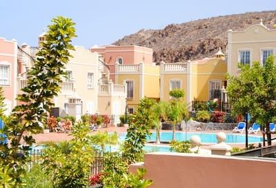Apartamento de 2 habitaciones en Palm-Mar en venta con piscina garaje - 230.000 € (Ref: 4602296)