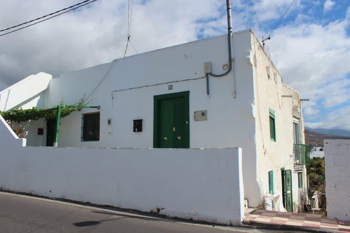Casa de 3 habitaciones en Arico en venta - 120.000 € (Ref: 4665010)