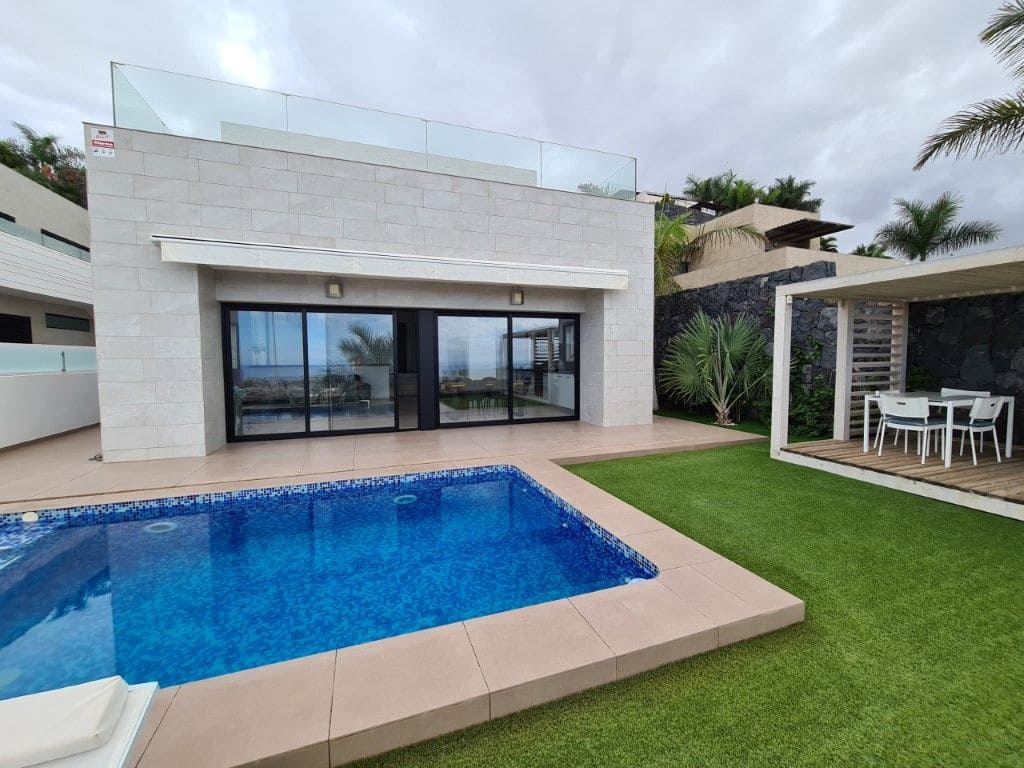4 quarto Moradia para venda em Costa Adeje com piscina garagem - 1 080 000 € (Ref: 5898242)