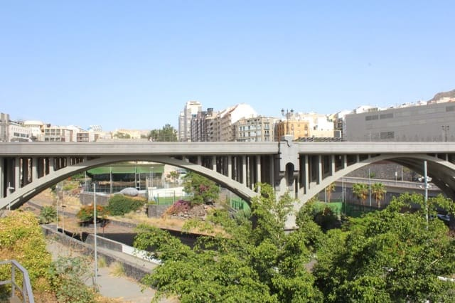 2 quarto Apartamento para venda em Santa Cruz de Tenerife - 290 000 € (Ref: 6240653)