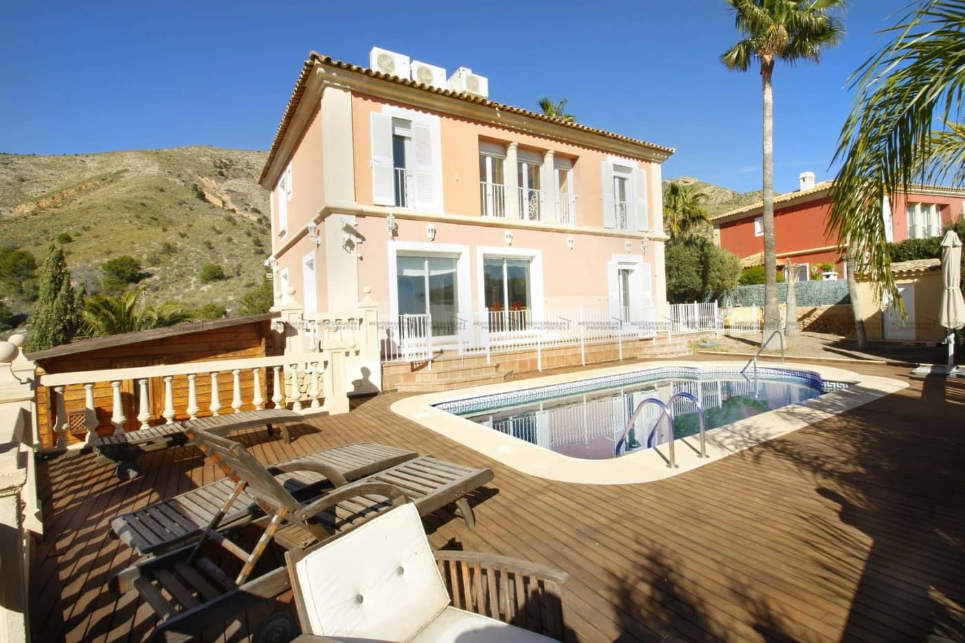 5 bedroom Villa for sale in Finestrat with pool - € 499,000 (Ref: 4441862)