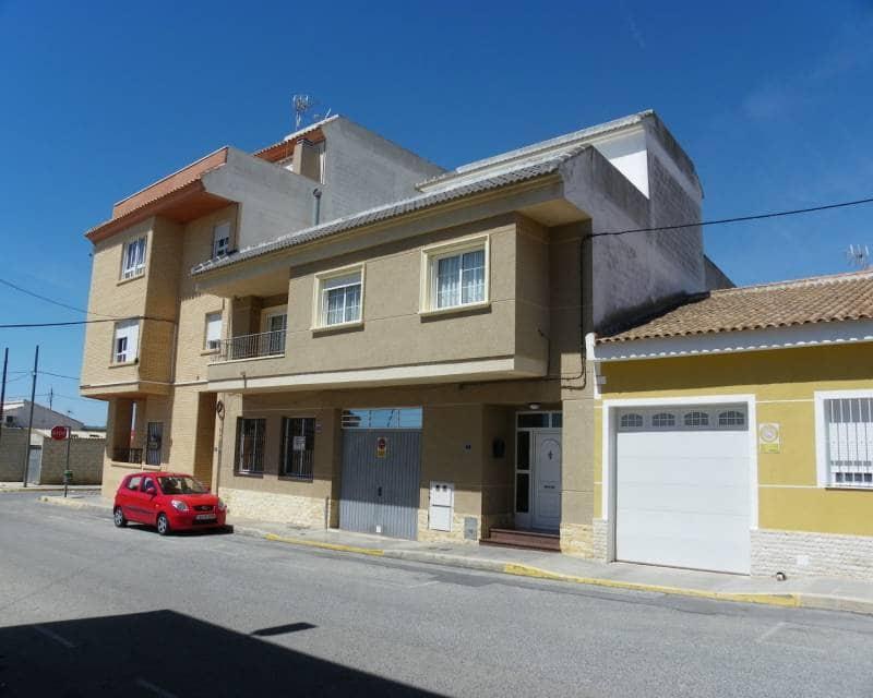 Kommersiell til leie i Los Montesinos med svømmebasseng garasje - € 900 (Ref: 5424534)