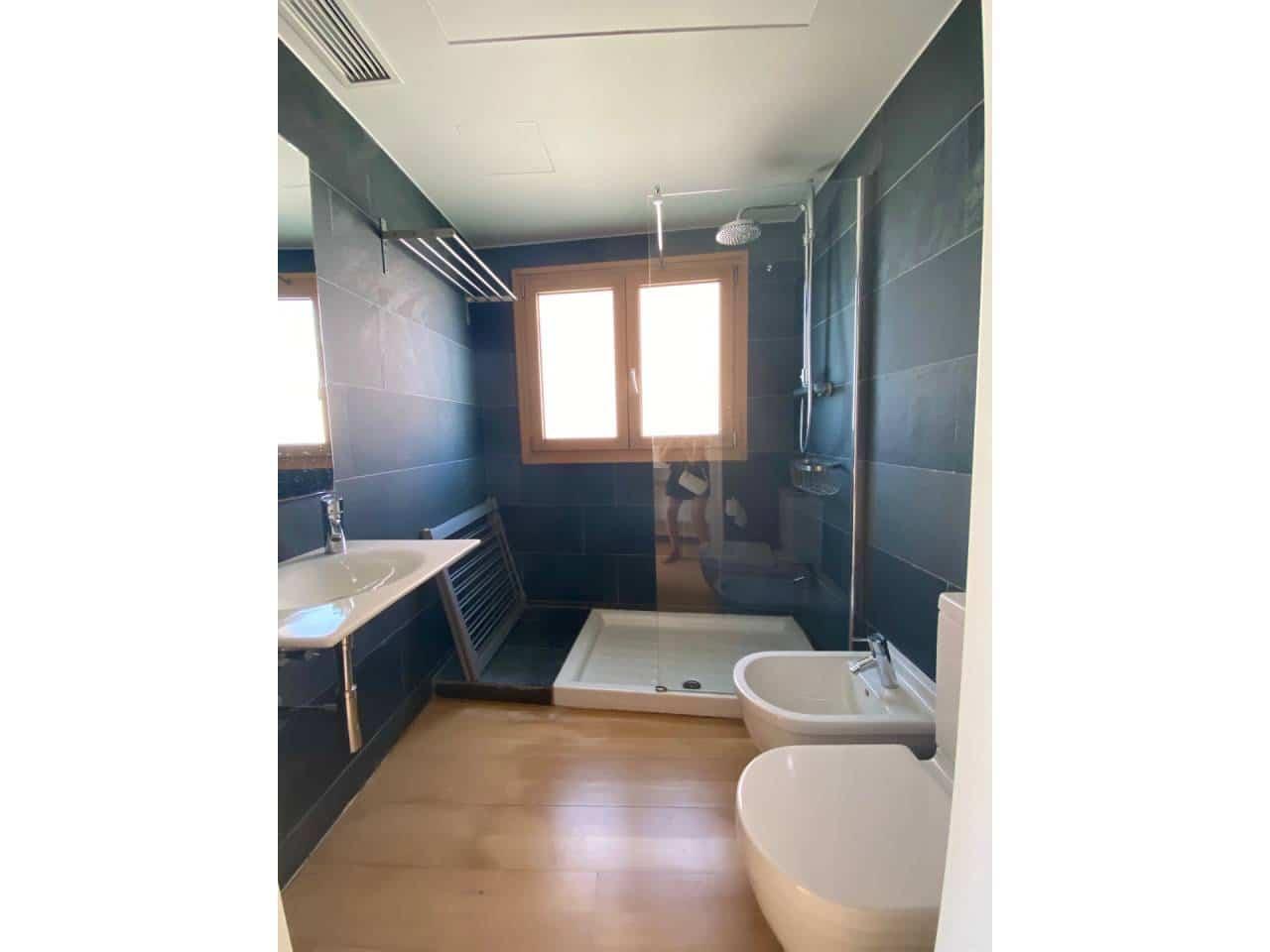 3 soveværelse Penthouse til leje i Alicante by med garage - € 2.500 (Ref: 5493441)