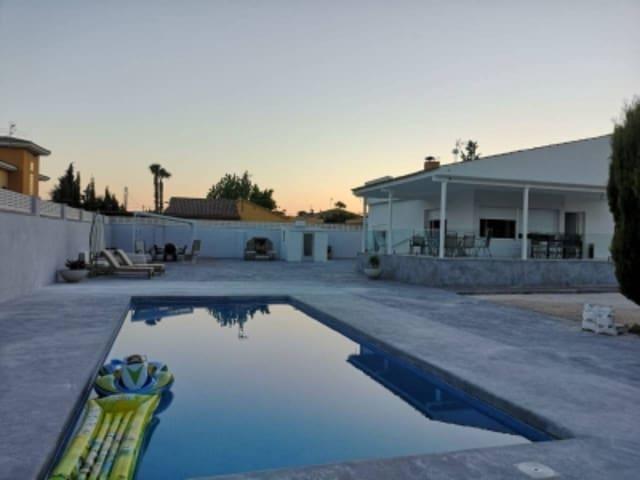 5 slaapkamer Huis te huur in San Vicente / Sant Vicent del Raspeig - € 1.800 (Ref: 5602326)