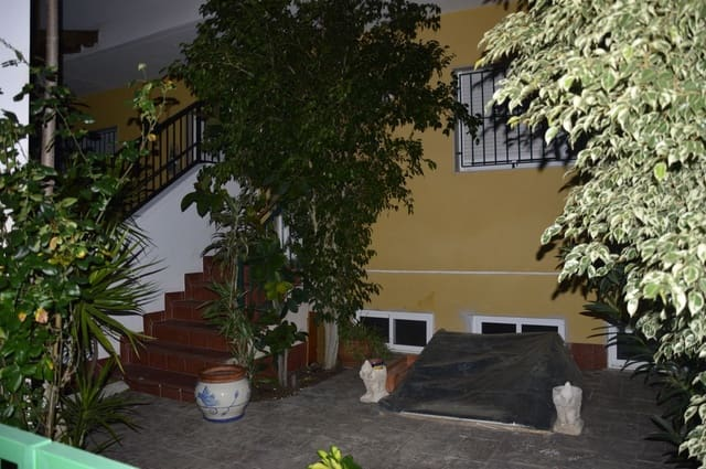 Casa de 3 habitaciones en Granja de Rocamora en venta con piscina garaje - 154.000 € (Ref: 5915113)