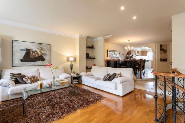 3 quarto Casa em Banda para venda em Petrel / Petrer com piscina garagem - 325 000 € (Ref: 6082050)