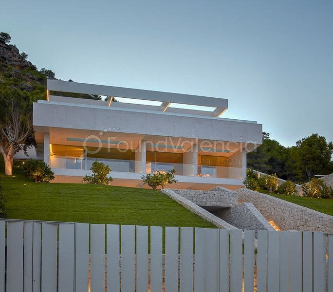 6 bedroom Villa for sale in Pucol with pool - € 3,900,000 (Ref: 5087230)