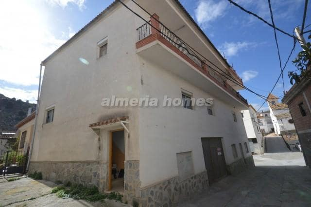 Casa de 5 habitaciones en Alcóntar en venta - 51.900 € (Ref: 4517682)