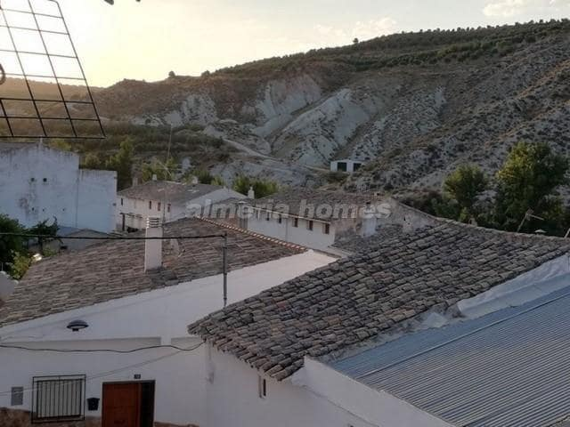 3 bedroom Townhouse for sale in Hinojares - € 49,950 (Ref: 6095305)