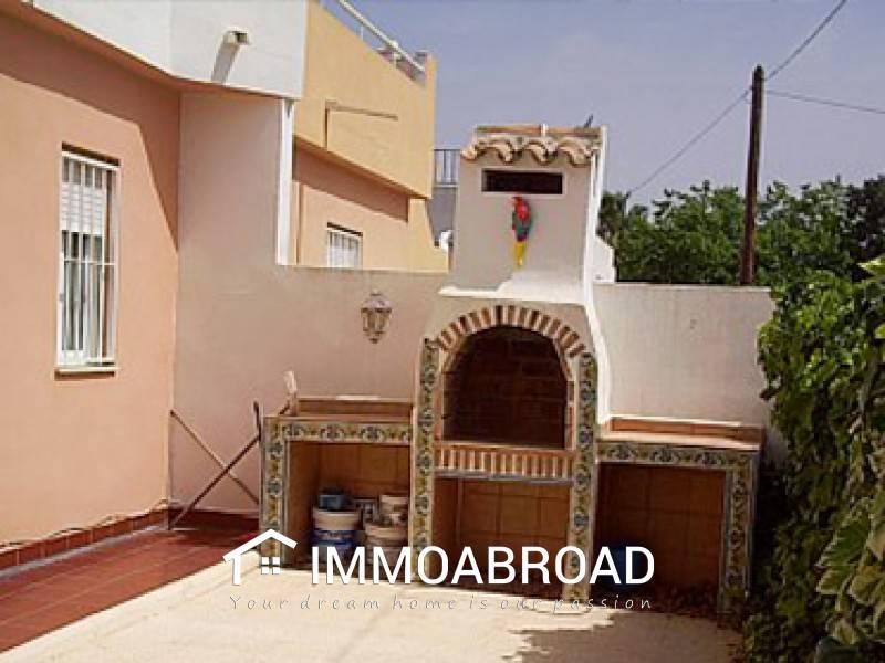 Casa de 2 habitaciones en Orihuela en venta - 89.000 € (Ref: 3401406)