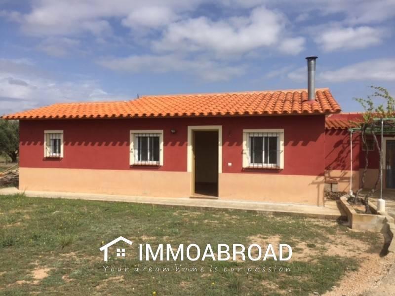 Finca/Casa Rural de 3 habitaciones en Ayora en venta - 99.000 € (Ref: 3401755)