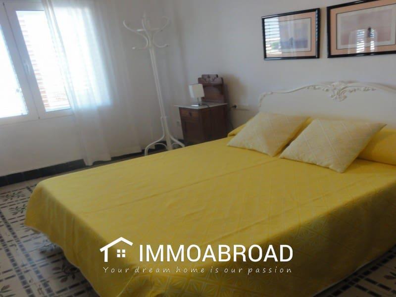 4 soveværelse Byhus til leje i Oliva - € 800 (Ref: 4009044)