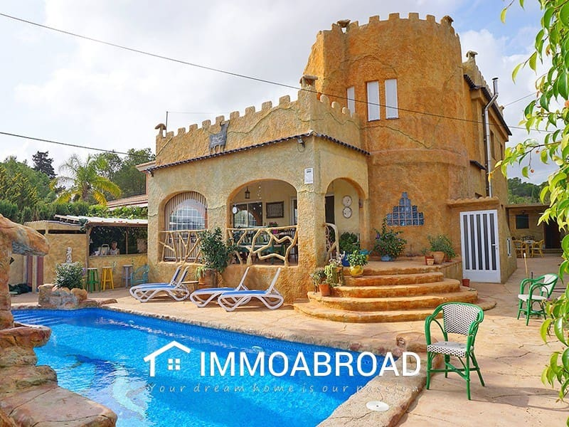 Chalet de 5 habitaciones en Orihuela en venta - 500.000 € (Ref: 4637592)