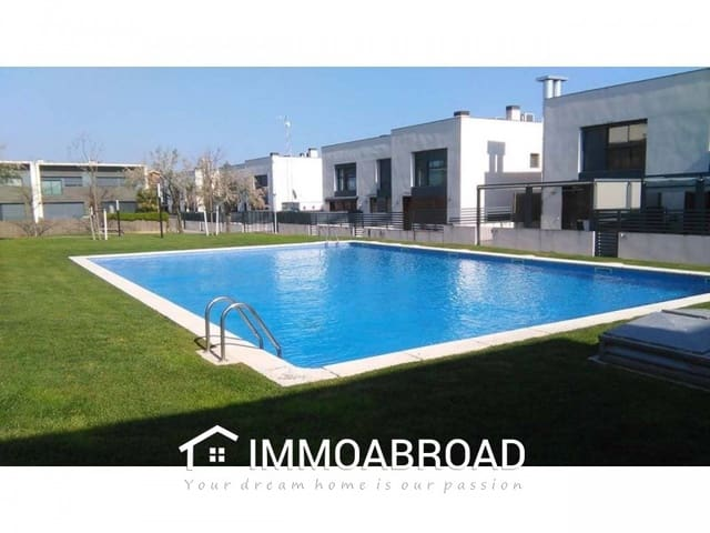 4 bedroom Townhouse for sale in Cambrils - € 375,000 (Ref: 4739200)