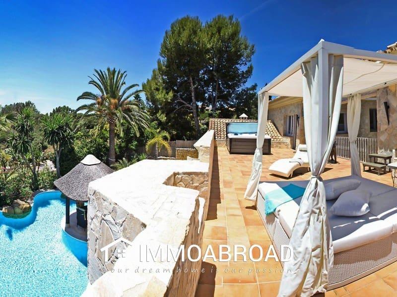 5 bedroom Villa for sale in Marbella - € 1,750,000 (Ref: 5174192)
