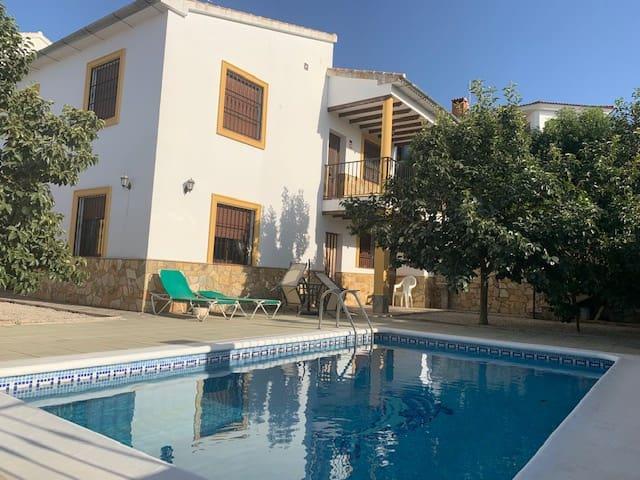 3 soverom Villa til salgs i Villanueva del Trabuco med svømmebasseng - € 190 000 (Ref: 4710635)