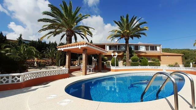 3 soveværelse Villa til salg i Montebello med swimmingpool garage - € 450.000 (Ref: 4852493)