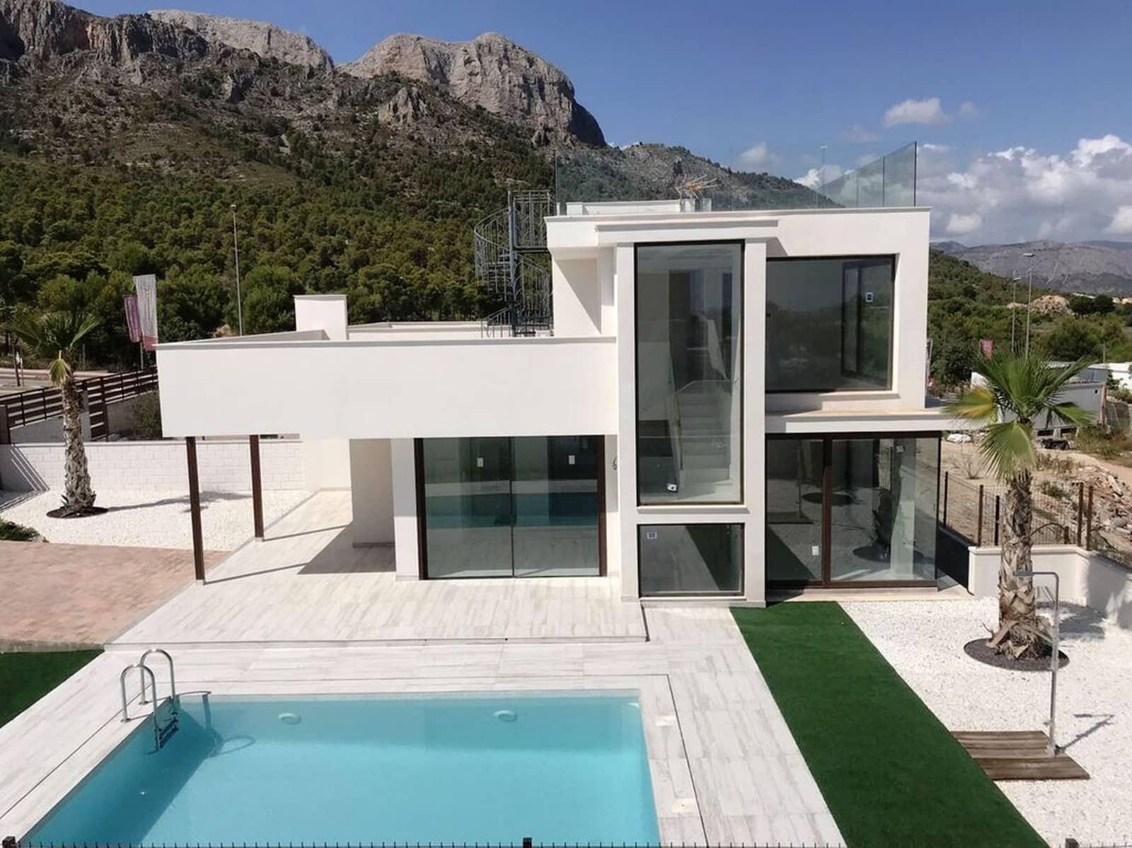 Chalet de 4 habitaciones en Polop en venta con piscina - 428.000 € (Ref: 4962827)