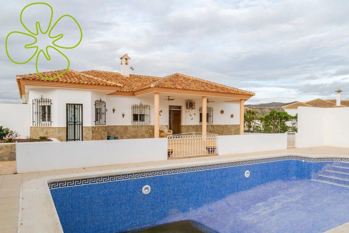 4 bedroom Villa for sale in La Aljambra with pool - € 290,000 (Ref: 4982558)