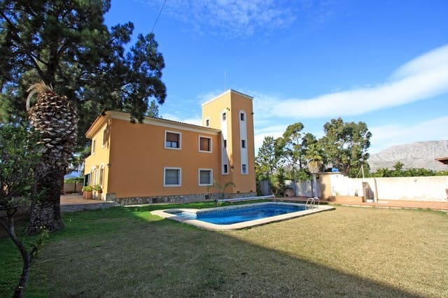 Chalet de 4 habitaciones en Ondara en venta con piscina - 580.000 € (Ref: 2505652)