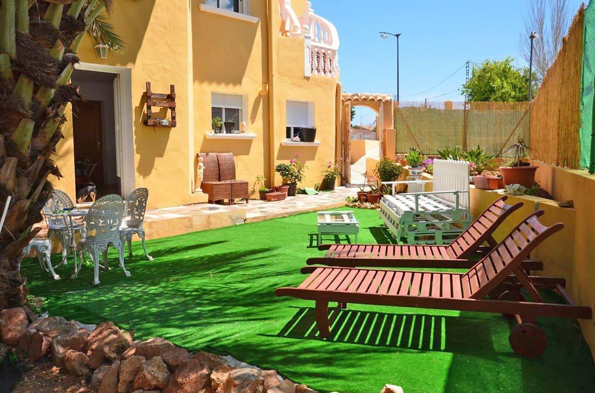 Chalet de 8 habitaciones en Ondara en venta con garaje - 195.000 € (Ref: 4288937)