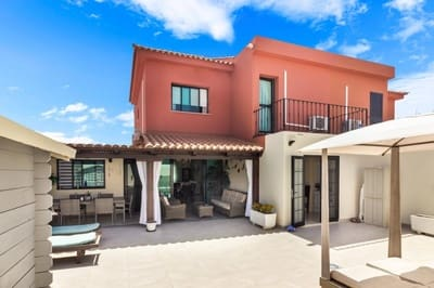 Pareado de 4 habitaciones en Sonneland en venta con piscina - 555.000 € (Ref: 5469327)