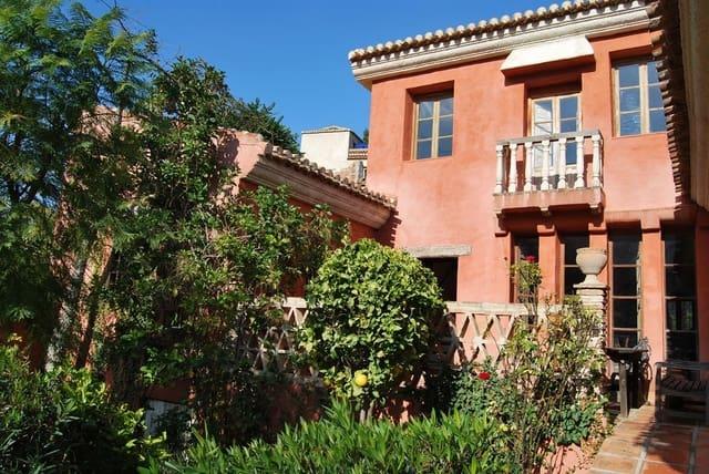 Casa de 3 habitaciones en Los Guajares en venta con piscina - 250.000 € (Ref: 5874756)