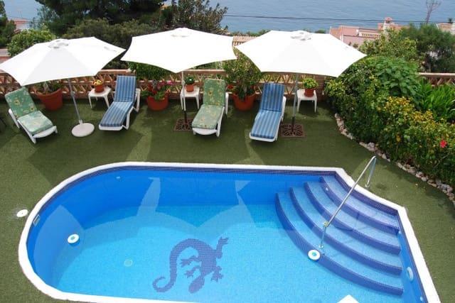 4 soveværelse Villa til leje i Salobrena med swimmingpool - € 2.100 (Ref: 6046019)