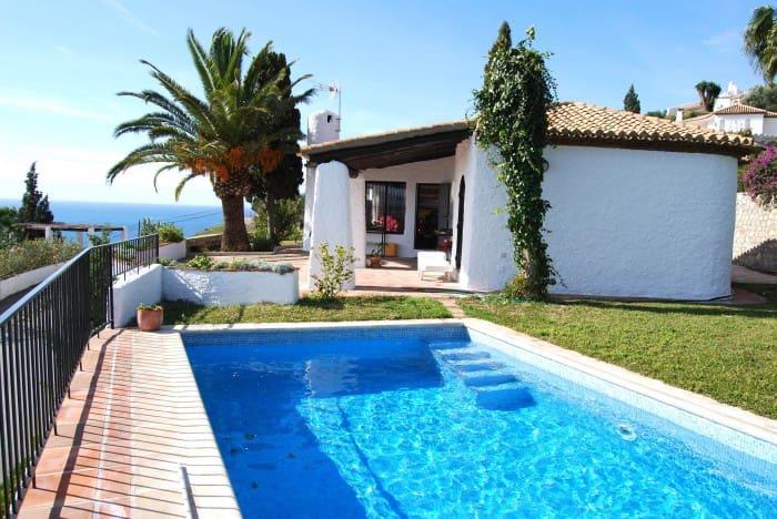 2 soveværelse Villa til leje i Salobrena med swimmingpool - € 900 (Ref: 6046021)