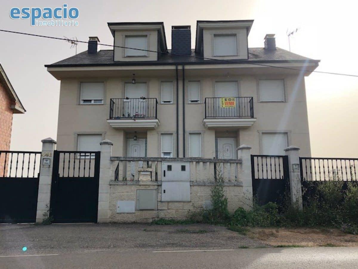 Pareado de 4 habitaciones en Carracedelo en venta - 135.000 € (Ref: 1729872)