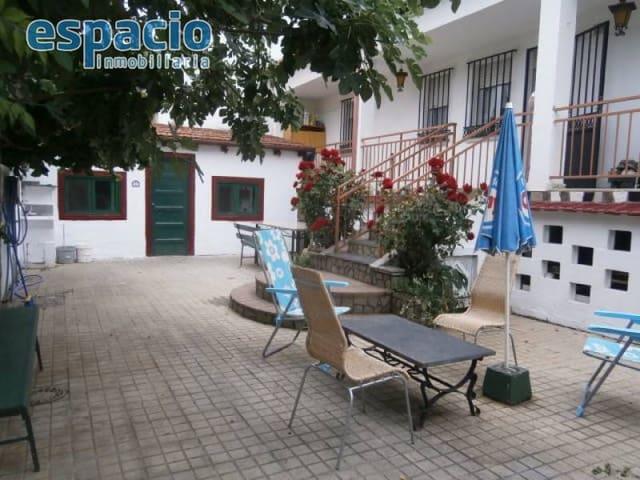 3 Zimmer Villa zu verkaufen in Ponferrada mit Garage - 292.000 € (Ref: 2733810)