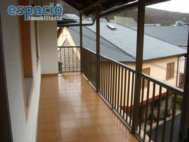 6 soveværelse Villa til leje i Tremor de Abajo - € 310 (Ref: 2735714)