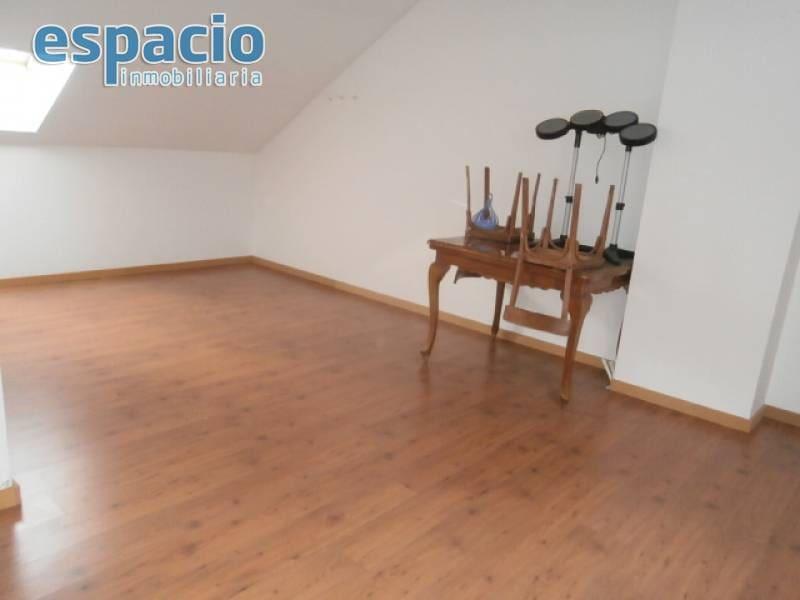 4 quarto Moradia em Banda para venda em Cortiguera com garagem - 160 000 € (Ref: 2735716)