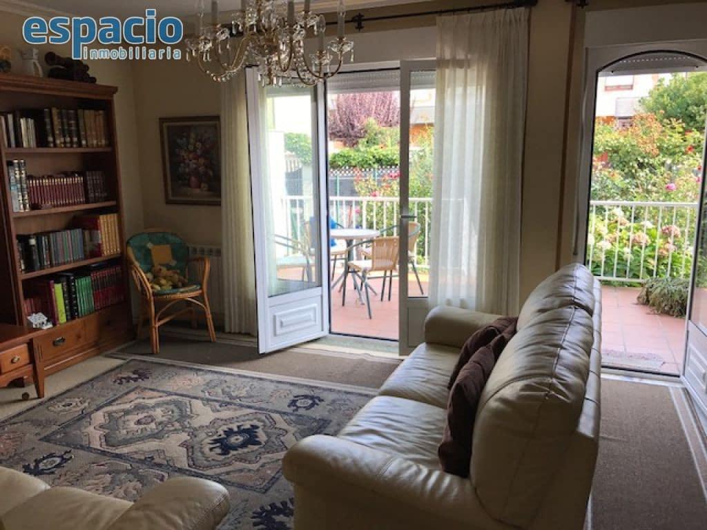 4 soverom Rekkehus til salgs i Ponferrada med garasje - € 275 000 (Ref: 3604605)
