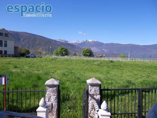 Chalet de 3 habitaciones en San Cristobal de Valdueza en venta - 142.000 € (Ref: 3618700)