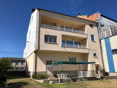6 bedroom Villa for sale in Ponferrada with garage - € 258,000 (Ref: 4731560)