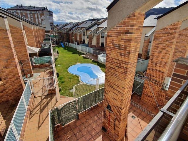 4 sypialnia Dom blizniak na sprzedaż w Ponferrada z basenem garażem - 300 000 € (Ref: 5120556)