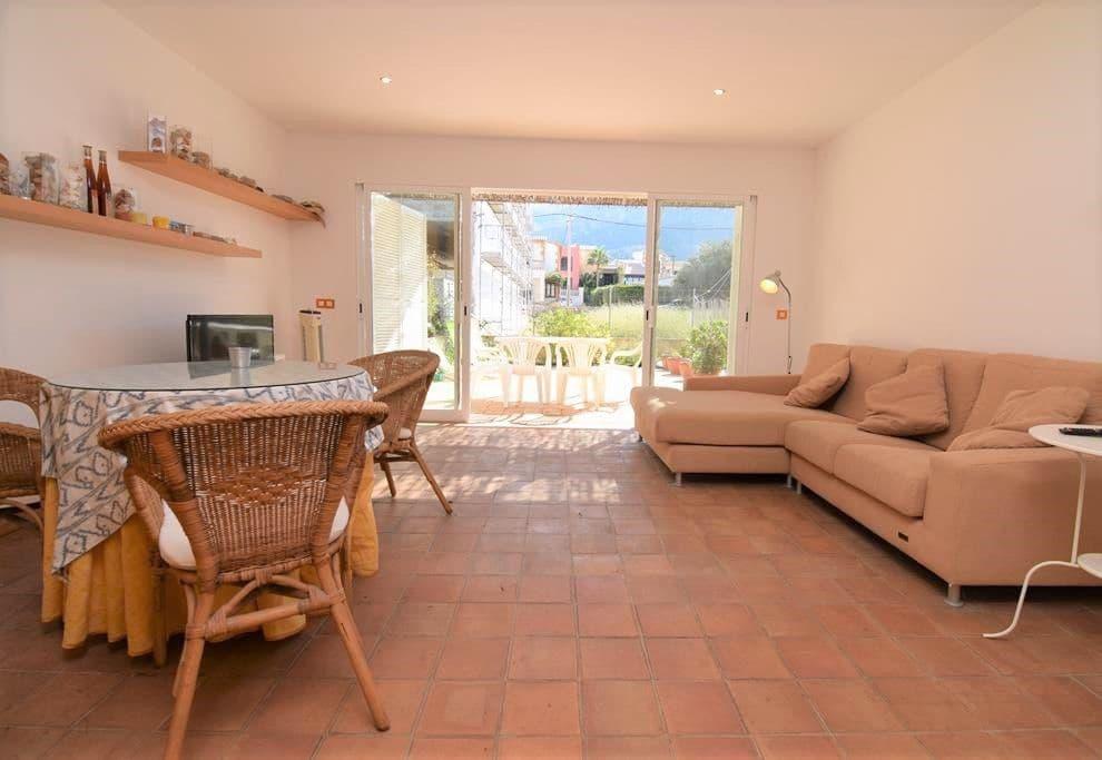 4 slaapkamer Halfvrijstaande villa te huur in Colonia de Sant Pere / Colonia de San Pedro - € 1.100 (Ref: 5029547)