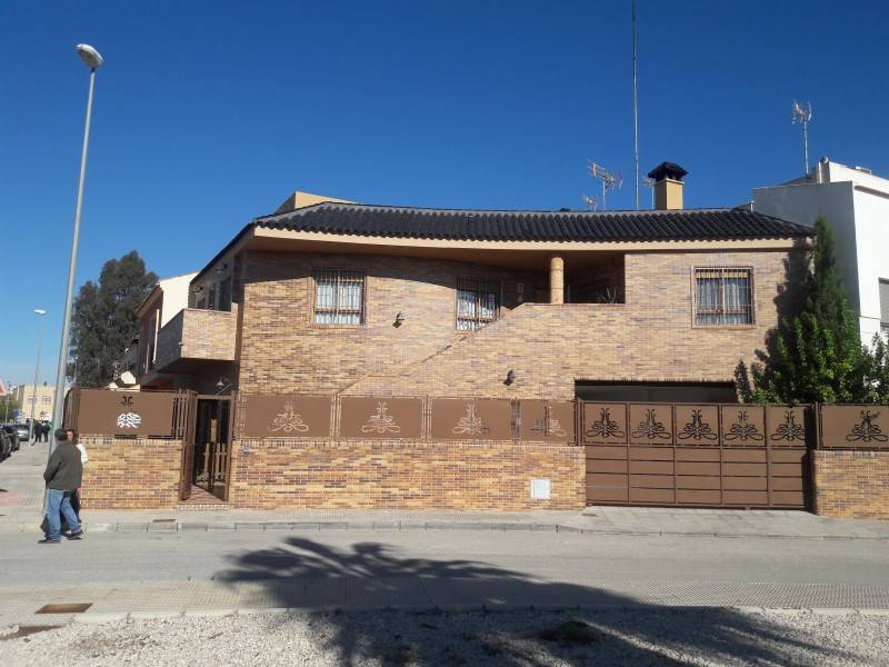4 bedroom Villa for sale in Dolores with pool - € 230,000 (Ref: 3608938)