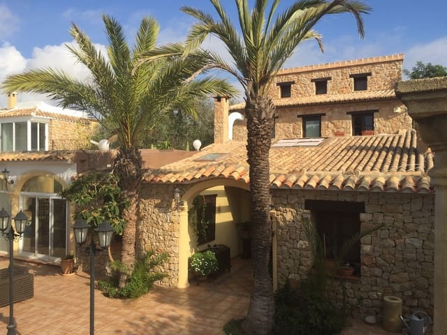 12 bedroom Finca/Country House for sale in Benissa - € 1,695,000 (Ref: 4893406)