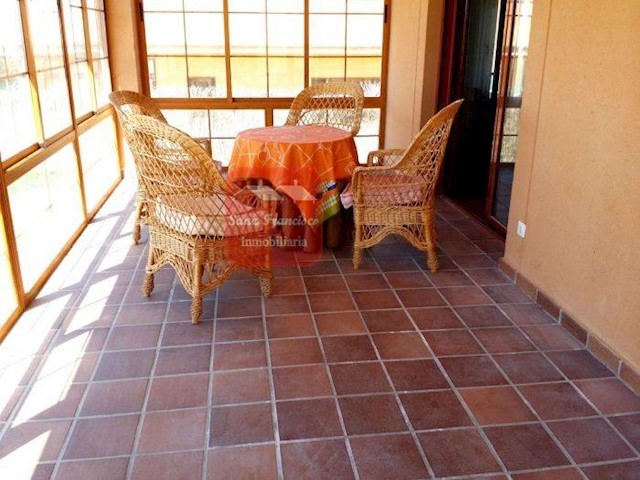3 chambre Villa/Maison Semi-Mitoyenne à vendre à Torrecaballeros - 259 000 € (Ref: 3830094)