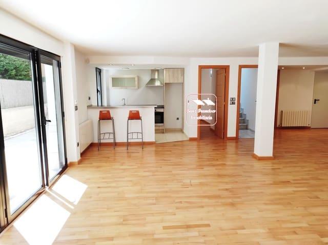 5 bedroom Semi-detached Villa for sale in San Cristobal de Segovia with garage - € 370,000 (Ref: 6230273)