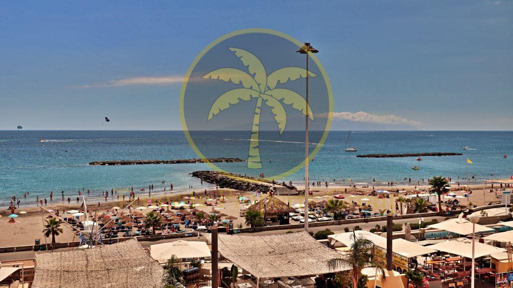2 bedroom Apartment for sale in Playa Fanabe with pool - € 525,000 (Ref: 5148092)