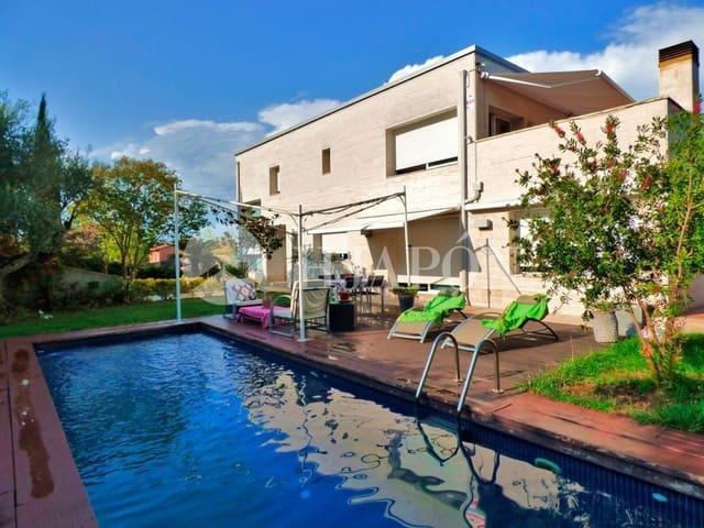 4 sovrum Semi-fristående Villa till salu i Vallromanes med pool - 760 000 € (Ref: 5724279)