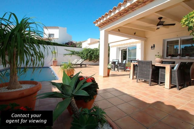 4 sovrum Villa till salu i L'Alfas del Pi med pool - 375 000 € (Ref: 1744347)