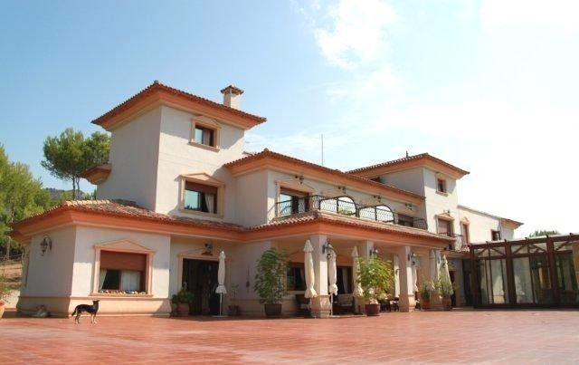 13 bedroom Hotel for sale in Finestrat with pool - € 1,800,000 (Ref: 3144356)