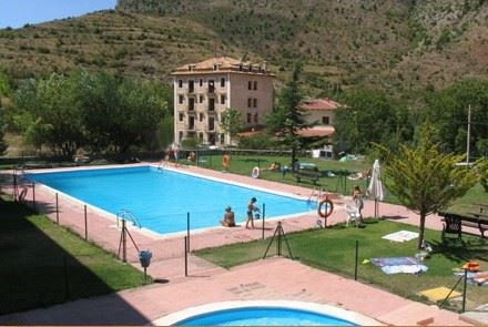 11 bedroom Hotel for sale in Teruel city with pool - € 1,575,000 (Ref: 3144693)