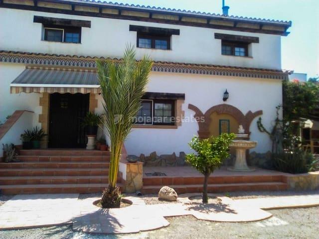 Chalet de 4 habitaciones en Las Cunas en venta con piscina - 380.000 € (Ref: 5058294)